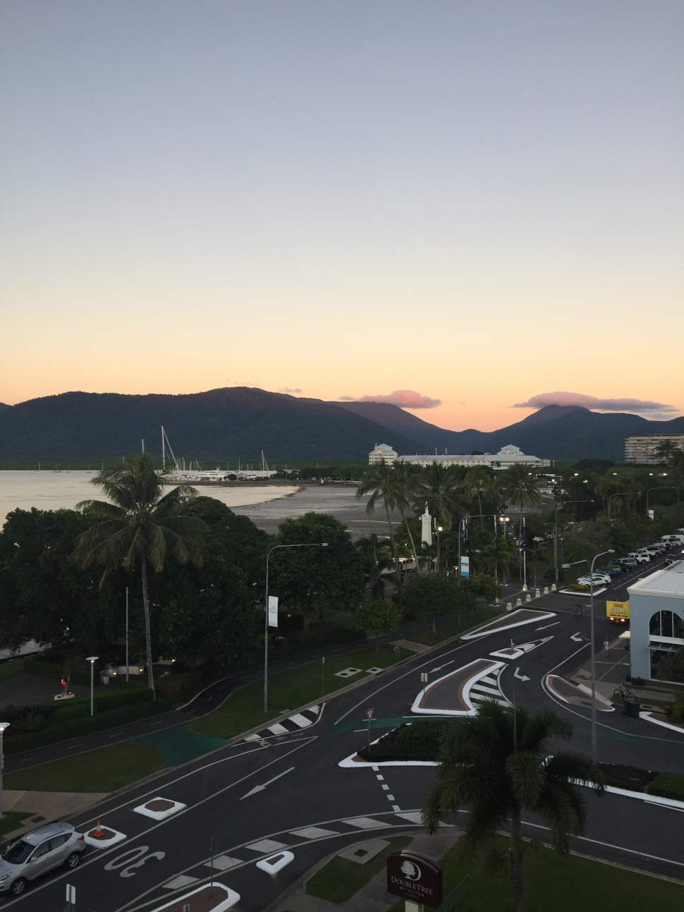 doubletree cairns esplanade coral sea view