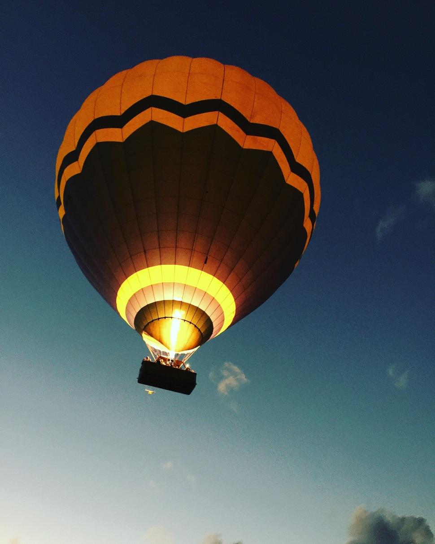 hot air balloon ride cairns australia