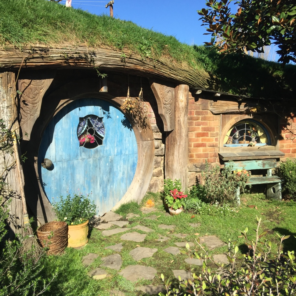 hobbit hole the shire hobbiton
