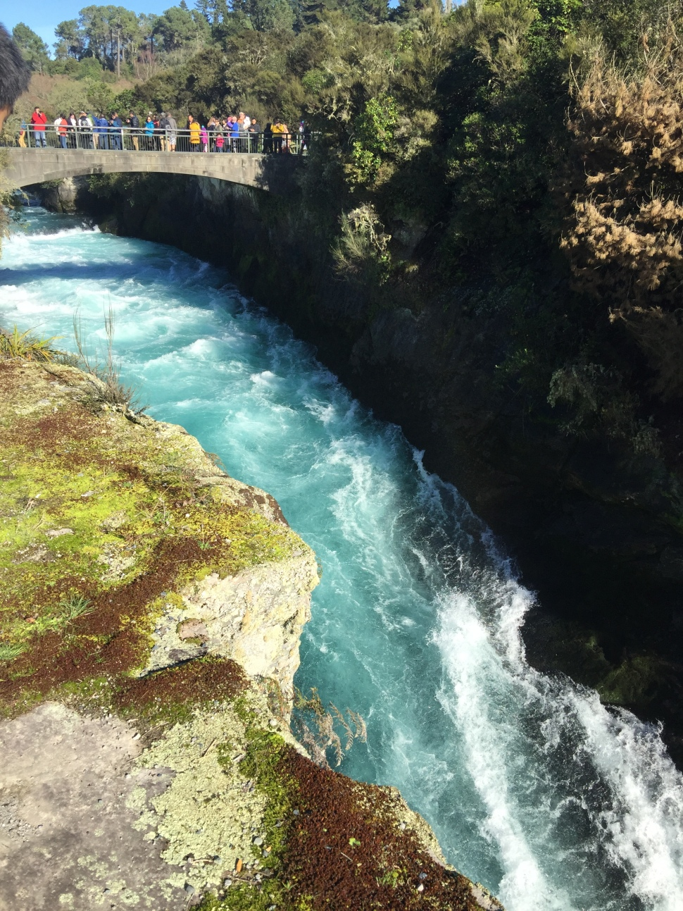 huka falls bridge