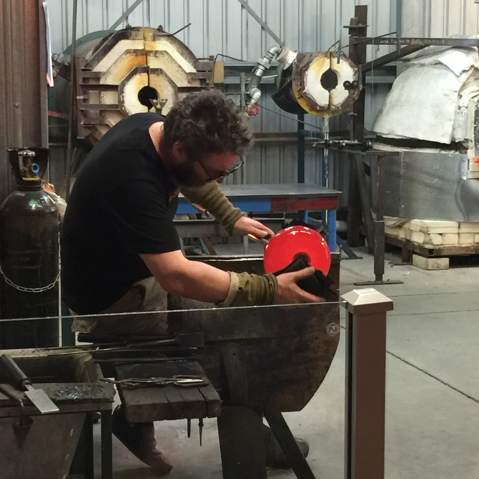 glass blowing at lava glass in nz