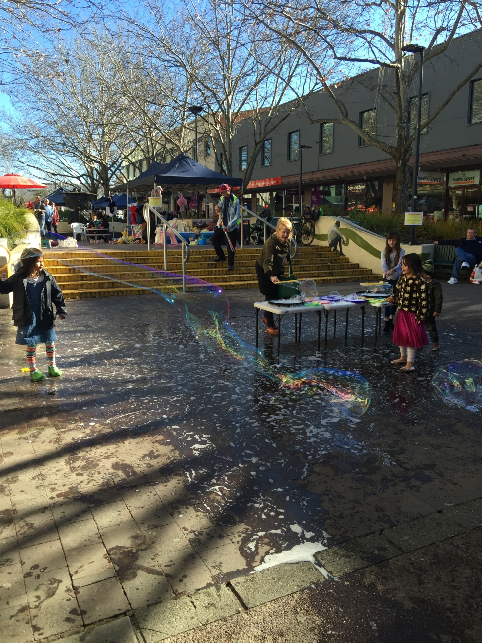 Canberra Centre bubblemaking